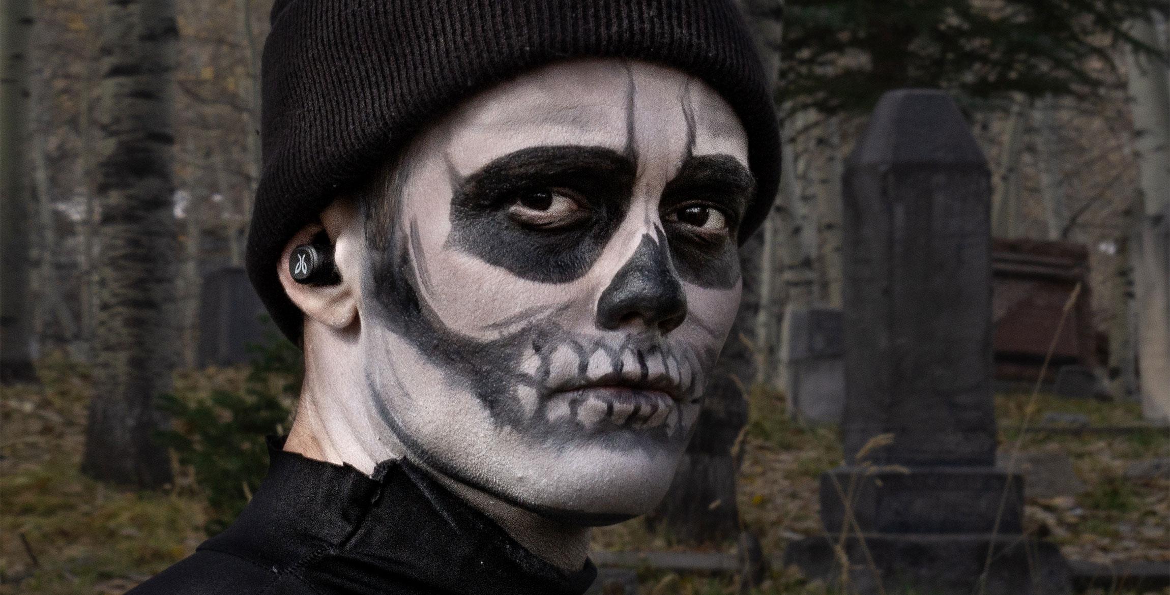 Weekly Fourcast: Jaybird Halloween